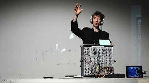 Menschmaschine. Foto: Torsten Meyer-Bautor